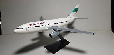 FLIGHT MINATURE AIR NIUGINI AIRLINES A310 1:200 SCALE PLASTIC SNAPFIT MODEL, used for sale  Shipping to Canada