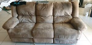 couch / sofa with 2 recliners.