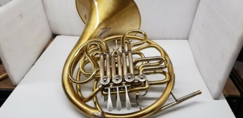 1970 C.G CONN 6D DOUBLE FRENCH HORN WITH CASE IN VERY GOOD CONDITION.