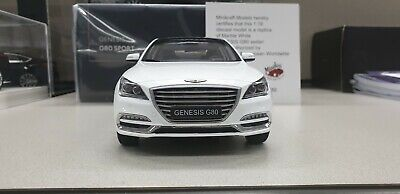 1:18 Minikraft Hyundai Genesis G80 Sedan White 250pcs Limited Dealer Edition