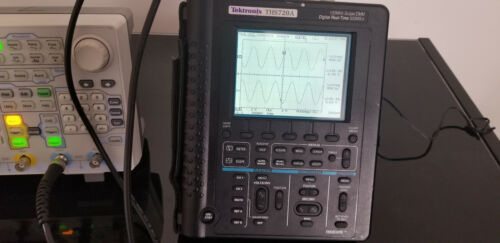 Tektronix THS720A 100MHz Real-Time Oscilloscope DMM 500MS