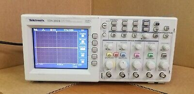 Tektronix Tds2024 200 Mhz 4-ch 2 Gss Digital Storage Oscilloscope
