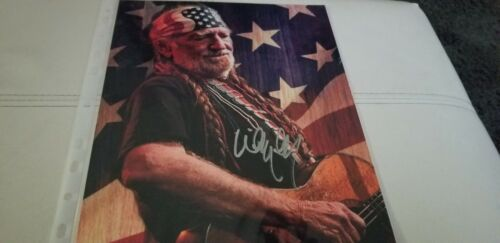 WILLIE NELSON - COUNTRY LEGEND - HAND SIGNED AUTOGRAPHED PHOTO WITH COA