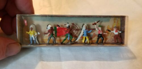 Merten HO Scale Indians and Cowboys Fighting 6 Figures  # 788