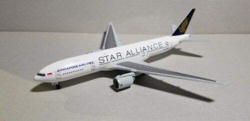 "DRAGON WINGS (55808) SINGAPORE ""STAR ALLIANCE"" 777-200 1:400 SCALE DIECAST MODEL"