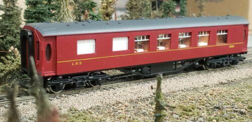 Vintage Wrenn Railways OO/HO Gauge - W6011 - LMS Maroon 1st Class Coach MIB
