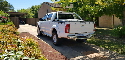 2009 Toyota Hilux sr automatic Macquarie Belconnen Area Preview