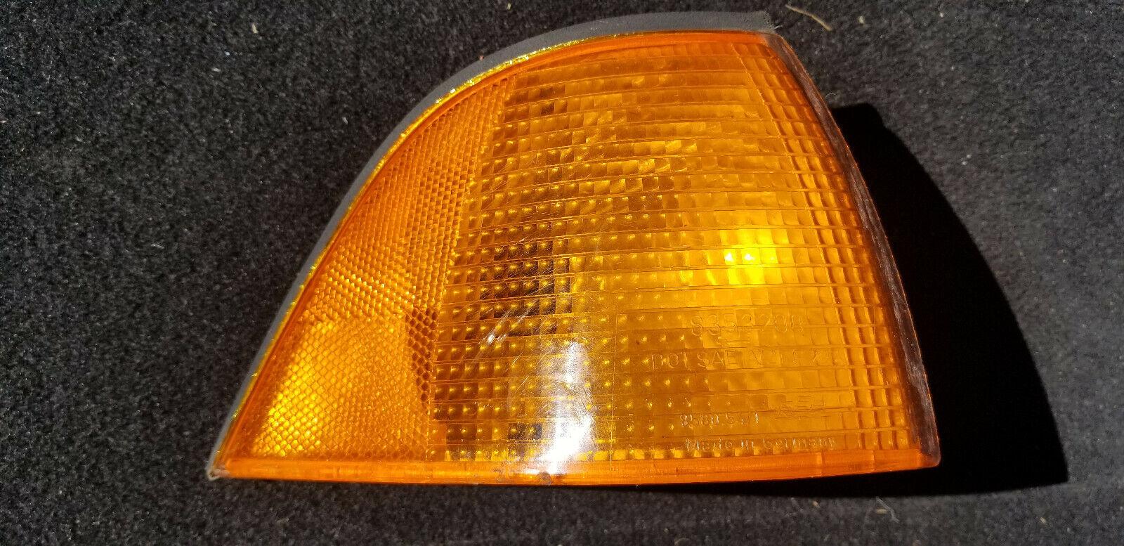 1992 1993 1994 1995 1996 1997 1998 BMW 3 Series M3 E36 Turn Signal Corner Lamp R