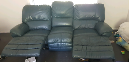 Leather 3-seater couch and 2 arm chairs