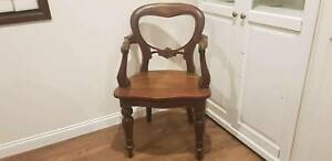 Vintage mahogany antique style balloon back carver chair