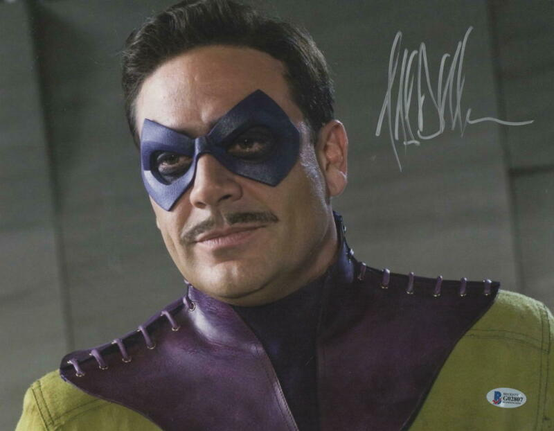 JEFFREY DEAN MORGAN SIGNED 11X14 PHOTO WATCHMEN COMEDIAN AUTOGRAPH BECKETT COA D
