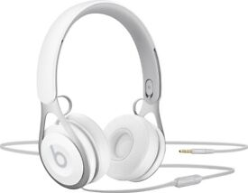 Beats by Dre EP Headphones - Brand New in Sealed Box WHITE