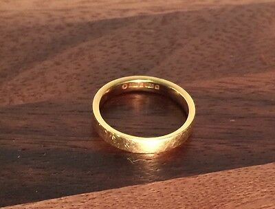 18k (750) Yellow Solid Gold Wedding Band Size L (16.2mm Inside Diameter)