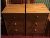 A PAIR OF PINE EFFECT BEDSIDE CHESTS