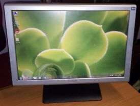 """19"""" Mirai Widescreen LCD monitor + Speakers - PC / Laptop - Dual View - GREAT CONDITION - DELIVERY"""