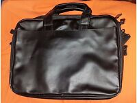 17 inch deluxe laptop bag in black, 13 pockets expandable main pocket, 4 zips