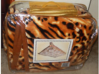 Supreme Animal Tiger Print Top Quality Heavy SUPER SOFT 2-PLY BLANKET 200 X 240 cm in zipped bag