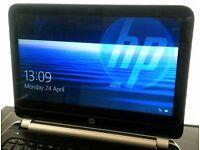 laptop HP TouchSmart 1368x768 LED, AMD A6 APU, 4GB RAM, 128GB SSD Intel, Win10, 5-8 h on batt!