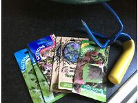 Gardening hand fork + 9 packets of Garden seeds