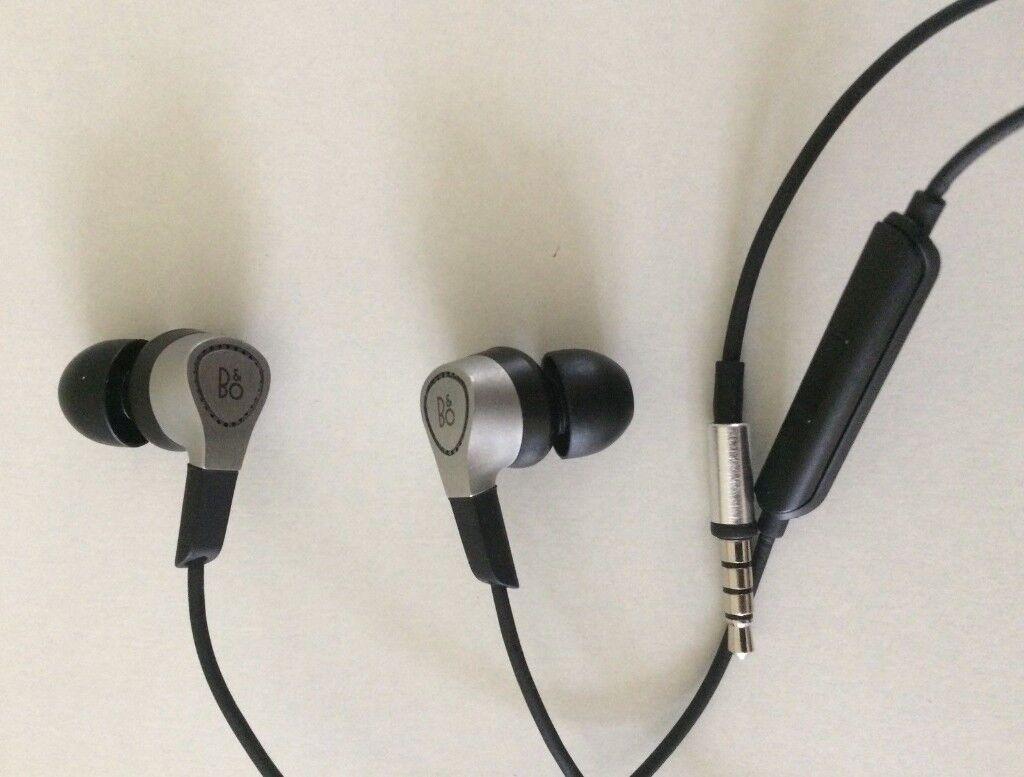 Bo Play By Bang Olufsen H3 Earphones In Middleton Manchester Ampamp Beoplay Lightweight Earphone Black Gumtree