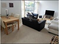 Double room to rent in heart of a cobham