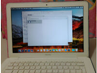 """Apple Macbook 13.3"""" 250GB SSD, 4GB memory, DVD +/- RW DL/ well looked after in very good condition"""