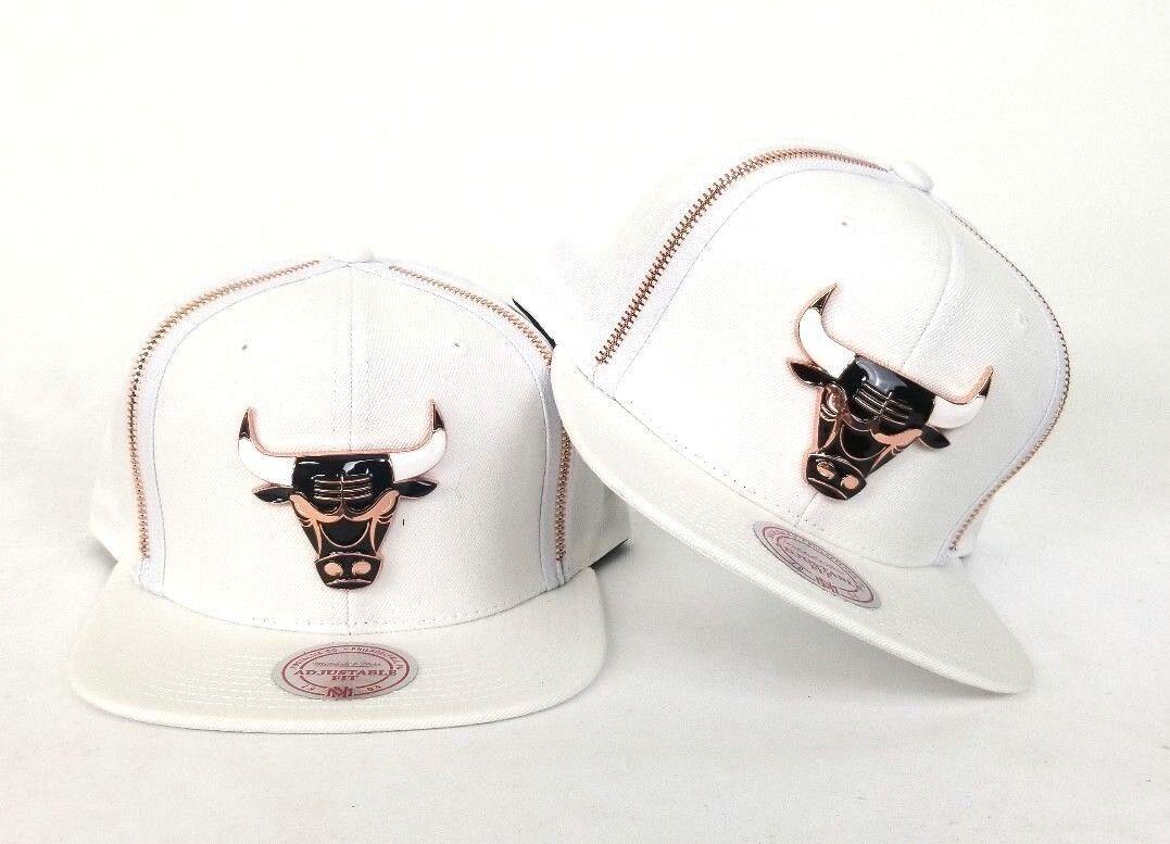 0a7b822abe1c07 Mitchell & Ness Zipper Metal Badge Chicago Bulls Snapback Hat White / Copper