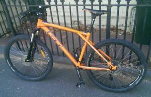 GT Avalanche Orange 2016 27.5 Mountain Bike