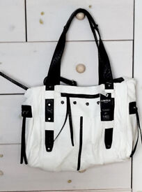 M&S LIMITED EDITION LARGE WHITE HANDBAG (BNWT, WITH MARKS)