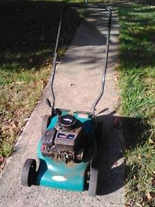 Small mower - Not Running - FREE! Beachmere Caboolture Area Preview