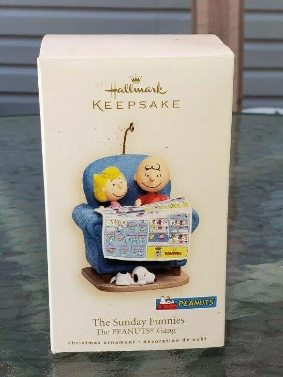Hallmark Keepsake Ornament Peanuts Gang THE SUNDAY FUNNIES 2007 Snoopy Dog