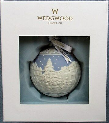 Christmas Carol Singers Ornaments.Wedgwood Blue Jasperware Christmas Carol Singers Carolers Ornament New In Box