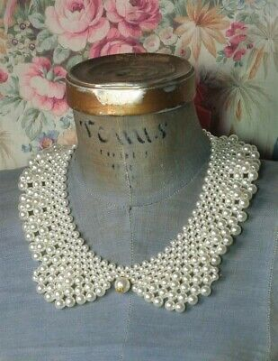 Victorian Trading Co Graduated Pearl Peter Pan Collar Necklace