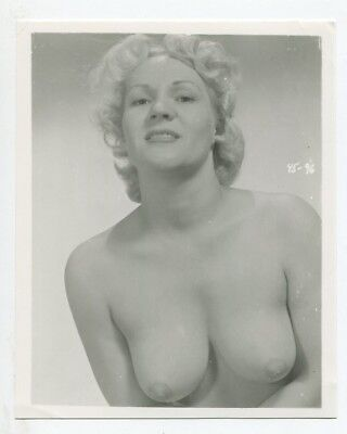Provocative Woman Giant Round Breasts Boobs 1950 Original  Pinup Photo  B5515