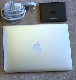 MacBook Pro (Retina, 13-inch) 8GB / 128GB