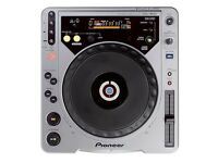 Pioneer CDJ 800 boxed, instructions and leads.