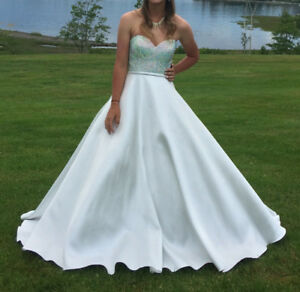 Blush Couture Prom/Wedding Strapless Dress Size 4 Ivory/White