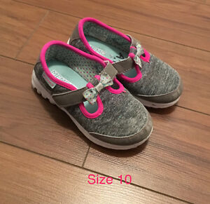 Girls Shoes (various sizes)