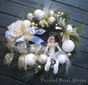 SALE--Christmas Elf Wreath/Gold/White/Champagne Holiday Wreath