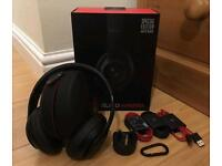 Beats by Dr Dre studio 2.0 wireless headphones matte black, new and sealed