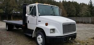 """2002 FREIGHTLINER FL60 WITH 26 FT FLAT DECK """"G LICENCE"""""""