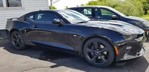 2016 Chevrolet CAMARO SS 8 Cylinder, 6 speed, like NEW, Factory