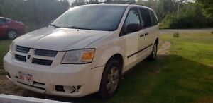 2010 Dodge Caravan. Mechanically sound