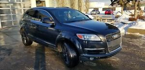 2007,AudiQ7, Metallic Black to Black Immaculate Condition