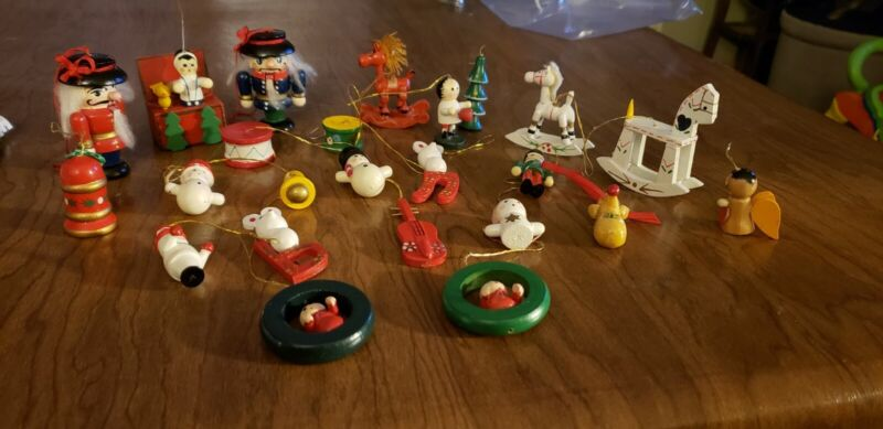 """Vint. 1960s, Hand-Painted German Style """"WOODEN Xmas MINIATURES"""", 23"""