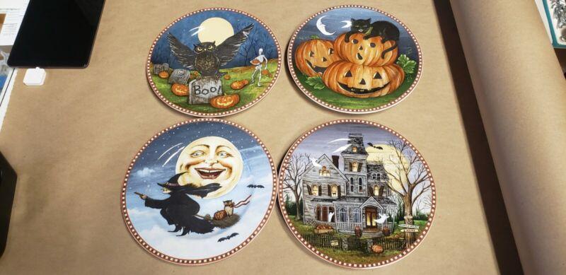 The Sakura Table Haunted Hollow 4 Piece Collector Plate Set Rare!