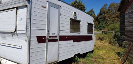 Franklin Arrow. 15ft sleeps 4. Excellent condition Kyneton Macedon Ranges Preview