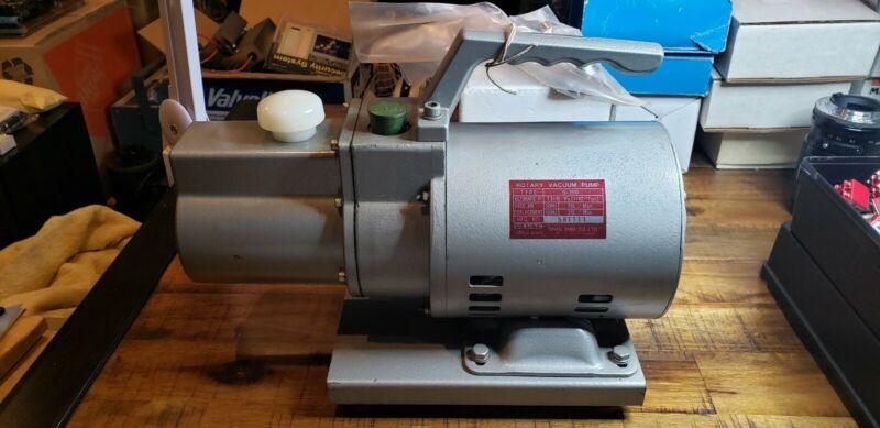 24 LPM Rotary Vane 2 Stage Vacuum Pump Hitachi G-20D