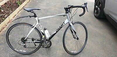 Giant defy 4 Large Road Bike