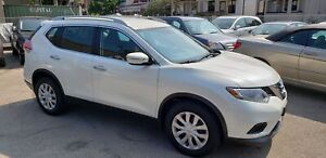 2015 Nissan Rogue S in good condition only 95,000km